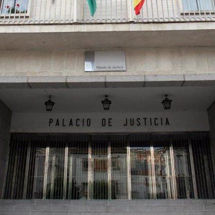 Juzgan hoy a cinco menores acusados de la agresión sexual que sufrió una niña de Isla en julio