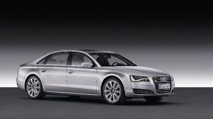 Economía/Motor.- Audi introduce la versión larga de su modelo A8, que sale a la venta con el motor de 12 cilindros