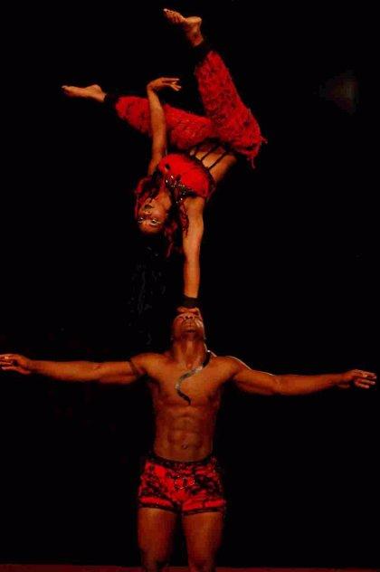 La Escuela Nacional de Circo de Colombia enseñará hoy sus acrobacias a las presas de Alcalá-Meco