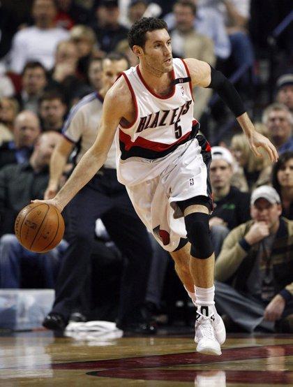 Baloncesto/NBA.- Los Blazers, con un discreto Rudy Fernández, sorprenden en el primer asalto a los Suns