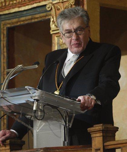 """José Emilio Pacheco, Premio Cervantes 2009: """"Me siento aplastado y agradecido por tantos homenajes"""""""