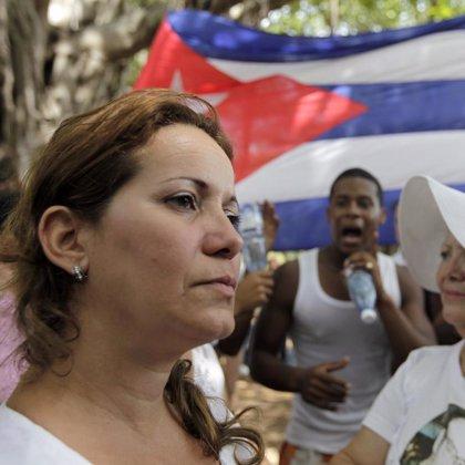Las autoridades cubanas impiden por tercer domingo consecutivo la marcha pacífica de 'Las Damas de Blanco'