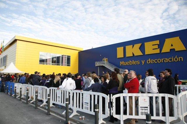 la tienda de ikea en jerez recibe visitantes durante su primera semana de apertura