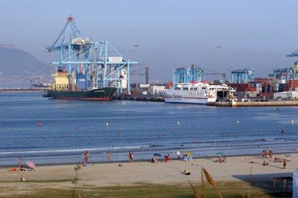 El buque 'Cosco Oceanía' llega hoy a las instalaciones de TTIA en Algeciras