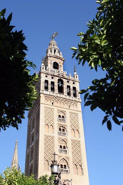 Las 'escapadas' a Almería y Sevilla a través de la conexión aérea entre capitales comienzan a funcionar hoy