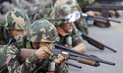 Al menos cuatro muertos por combates entre el Ejército y los 'camisas rojas'