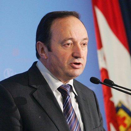 """Sanz afirma que """"se ha fundido la lámpara del Gobierno"""" y que """"hay que cambiarla por la del PP"""""""