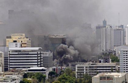 El edificio de la Bolsa sufre un incendio y se registran cortes eléctricos en algunas partes de Bangkok