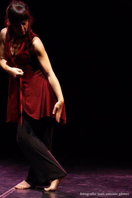 Manuela Nogales cierra hoy con 'Two' y 'Dentro por fuera' el ciclo 'Ahora! Danza' en La Fundición