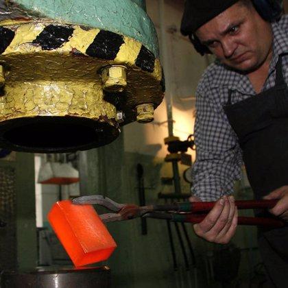 Los precios industriales descienden un 0,7% en abril en Extremadura, frente al 1% de incremento en el conjunto nacional
