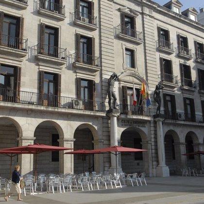 """Los trabajadores de Caja Cantabria, """"expectantes"""" ante los efectos de la fusión en la plantilla"""