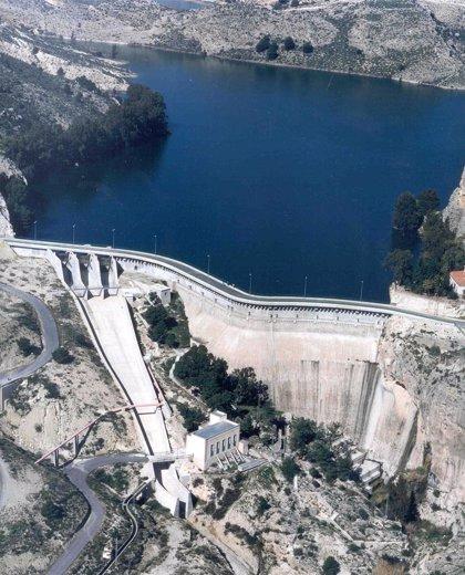 Los pantanos de la cuenca del Segura aumentan su capacidad en dos hectómetros cúbicos en la última semana