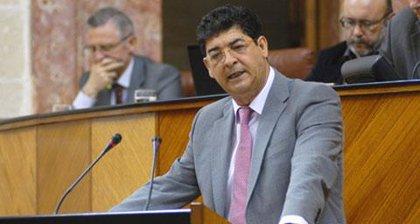 """Valderas, """"sin ninguna confianza"""" en alcanzar con PSOE-A un acuerdo sobre las leyes locales, dice que faltan """"recursos"""""""