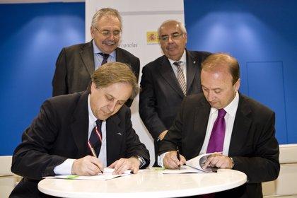 Renfe y ArcelorMittal acuerdan aumentar un 30 por ciento la carga de la empresa en Asturias