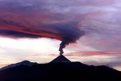 El volcán Pacaya entra en una fase similar a la del pasado jueves