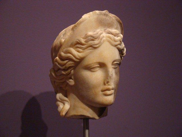 La cabeza diademada de Itálica se atribuye a la artesanía griega