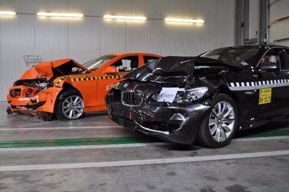 BMW lleva a cabo la primera prueba de choque en la que intervienen los frenos