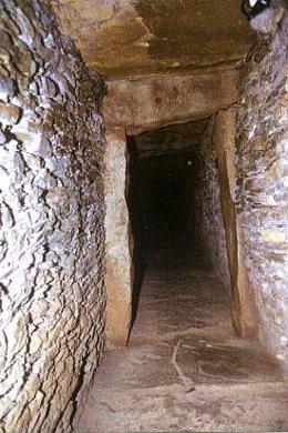 Corredor principal del dolmen de La Pastora, en Valencina.