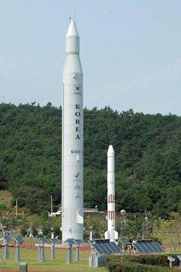 Réplica del cohete Naro 1