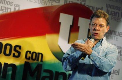 """Santos insta a votar para dar """"un mandato claro"""" en el país"""