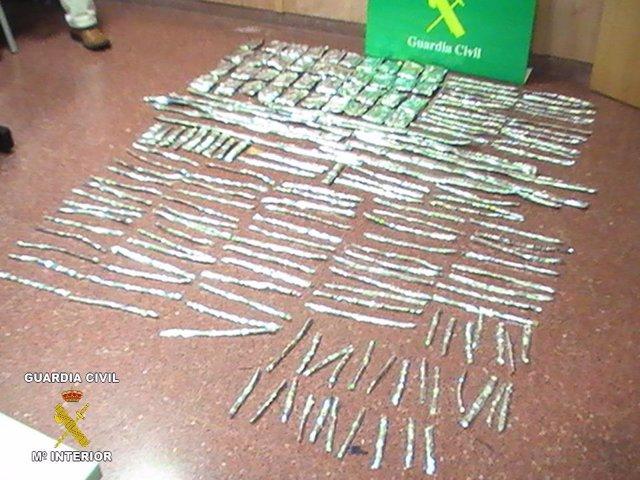 cocaína incautada en El Prat en pantalones