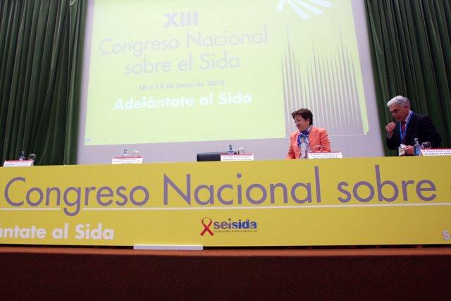 Pilar Farjas en la inauguración del Congreso Nacional sobre el Sida.