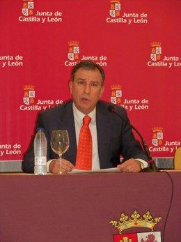 Consejero de Educación de la Junta de Castilla y León, Juan José Mateos