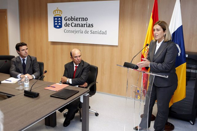 Un momento de la intervención de la consejera de Sanidad, Mercedes Roldós