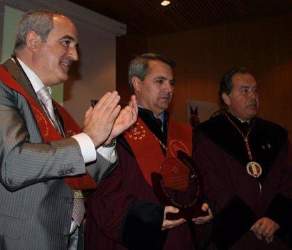 La Federación Española de Cofradías premia a 'La Prensa del Rioja' en su 25 aniversario