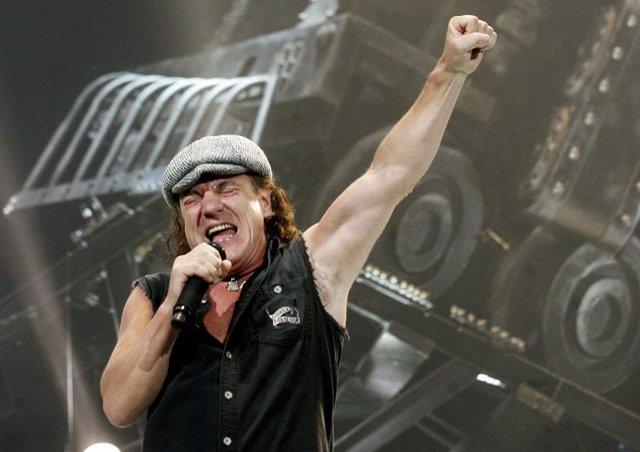 El cantante de AC/DC Brian Johnson
