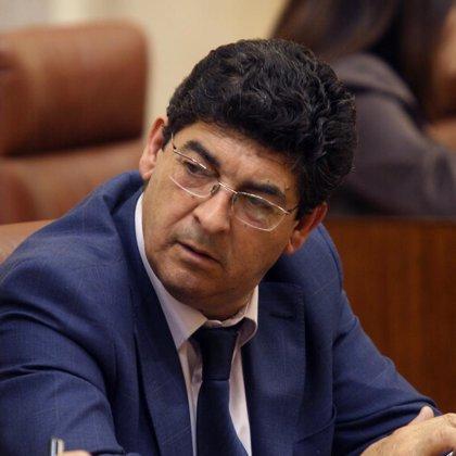 "Valderas ofrecerá hoy a Griñán planteamientos ""de carácter constructivo"" para lograr ""una gran caja andaluza"""