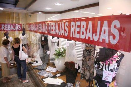 Los asturianos gastarán una media de 61 euros en estas rebajas, 21 euros menos que en 2009, según FUCI