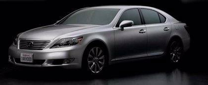 Lexus lanza el nuevo LS 460