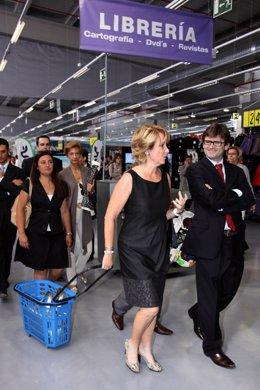 Aguirre de compras por la nueva tienda de Decathlon