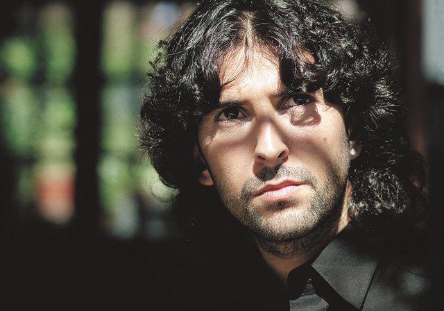 El cantaor Arcángel actúa en 'Asómate al Patio' de la Diputación