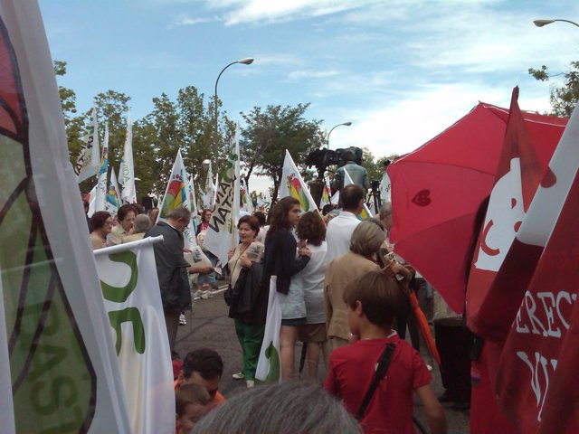 Manifestación ante el TC en contra de la entrada en vigor de la Ley del Aborto