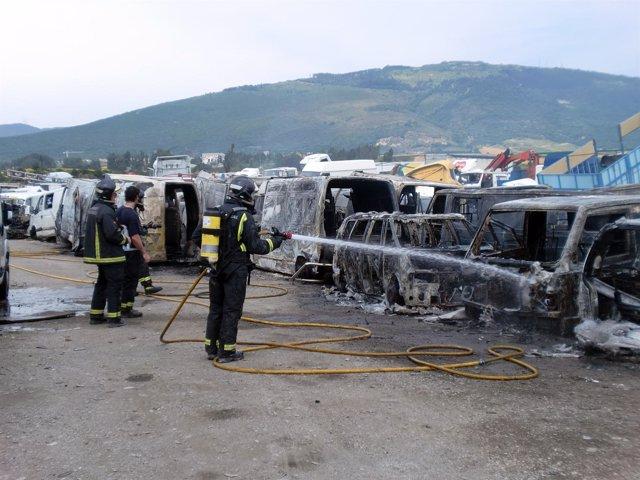 Incendio en Desguaces La Cabaña, en Berrioplano.