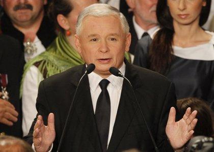 Komorowski gana las elecciones con una sólida ventaja sobre Kaczynski