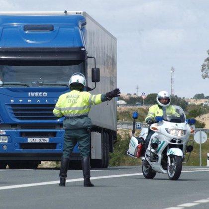 El fin de semana se salda con 26 heridos leves en los 36 accidentes registrados en las carreteras asturianas