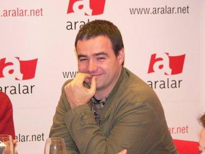 """Abril (Aralar) dice que """"los próximos días"""" empezarán a hablar """"sin límites"""" con EA y la izquierda abertzale ilegalizada"""