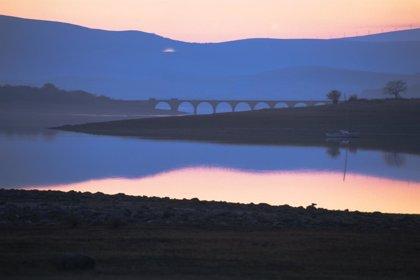 Las reservas del embalse del Ebro descienden 13 hm3 y se sitúan en el 94,6%