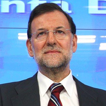 """Rajoy promete """"sentido de Estado"""" frente a la """"frivolidad"""" de Zapatero"""