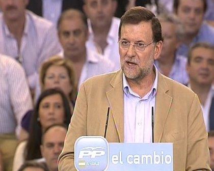 """Rajoy promete """"sentido de Estado"""" ante la """"frivolidad"""" de Zapatero"""