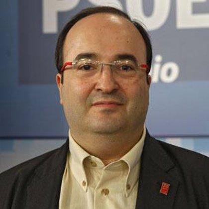 """El PSC pide la senyera encabece la marcha porque """"está por delante de cualquier lema"""""""