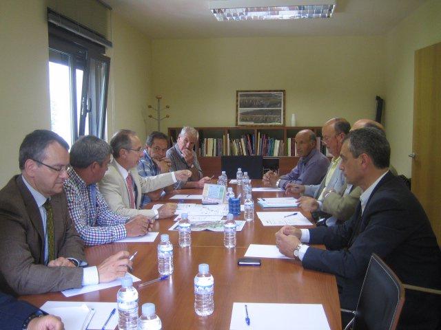 Reunión de la CHC con alcaldes del Nansa
