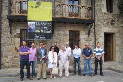 La exposición 'Palabra habitada' recorrerá durante el verano las cuencas del Pisueña, Pas y Miera