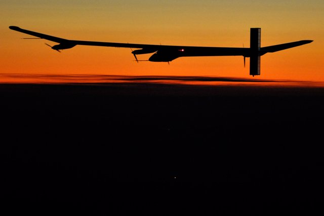 Solar Impulse de Noche