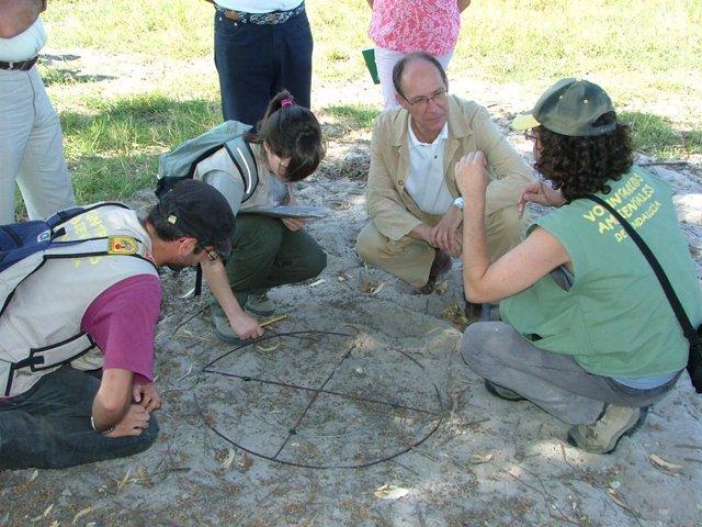 Díaz Trillo con un grupo de voluntarios