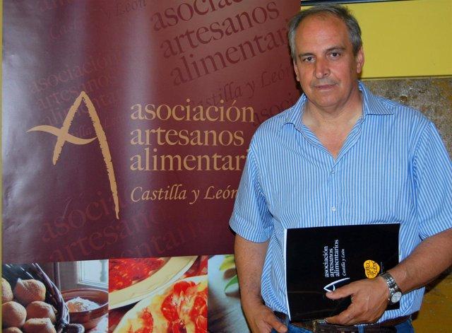 el presidente de la asociación de artesanos alimentarios
