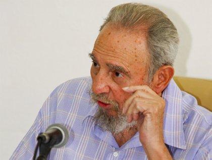 Fidel Castro realiza su tercera aparición pública en una semana
